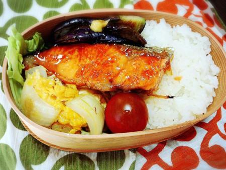 きょうのおべんとう「鮭の生姜焼き」