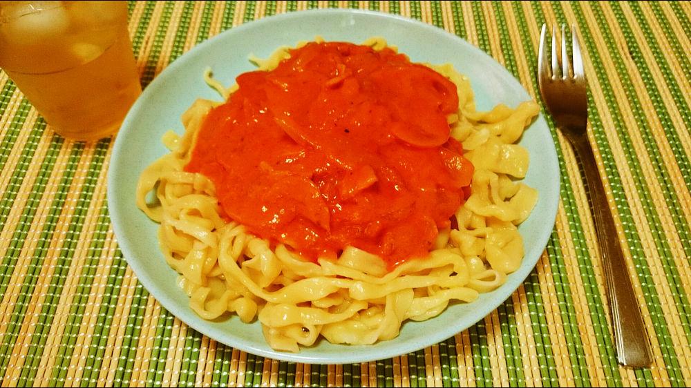 きょうのおひる「手作りトマトクリームパスタ」
