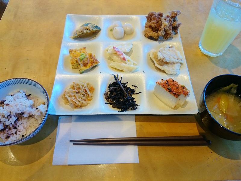 <更新>自然食バイキング「はーべすと 海老名店(ビナウォーク3番館)」
