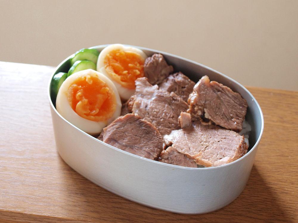 きょうのおべんとう「煮豚弁当」